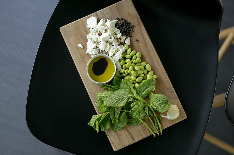 Edamame mint spread with feta cheese