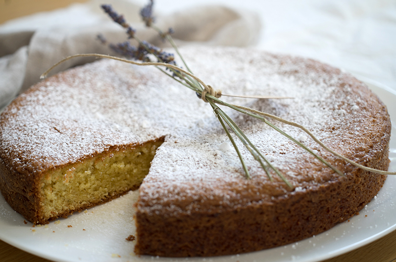 Lavender cake with lemon & olive oil